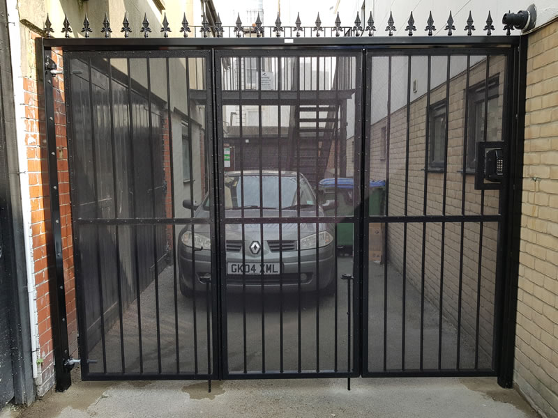 Security Gates, window Bars & Retractable Grilles